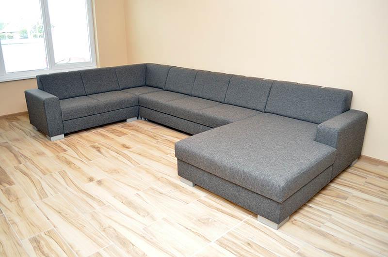 Vkusný a moderný interiér s jednoduchými doplnkami